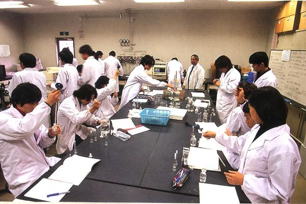 Xin được việc làm dễ dàng khi du học singapore ngành y
